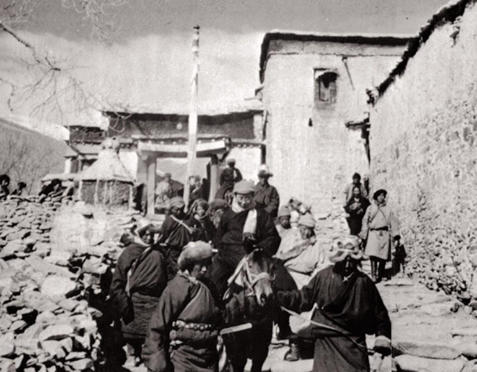 4_lhuntse_dzong-1