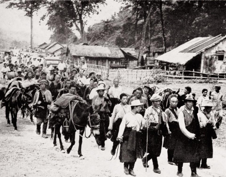 refugees_arriving_at_dp_camp